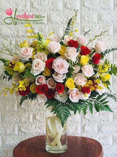 Bình hoa chúc mừng - Nắng mai rực rỡ